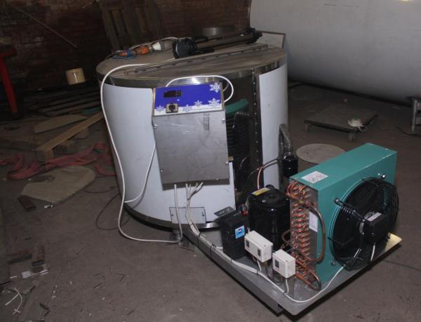 Охладитель молока - открытого типа Унимилк 120 л.