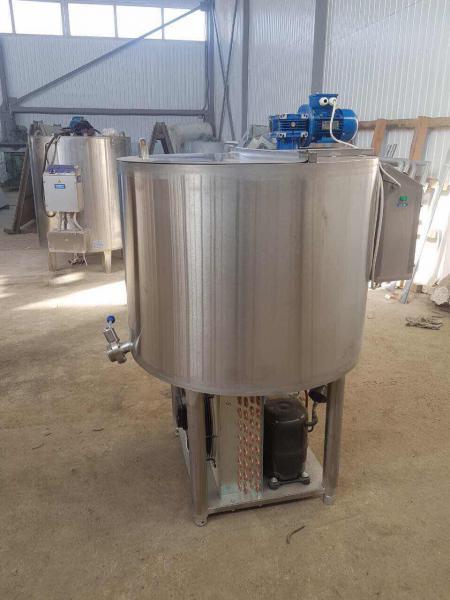 Охладитель молока - открытого вертикального типа 300л