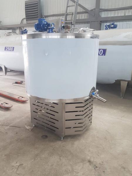 Охладитель молока - вертикального типа на 200 л