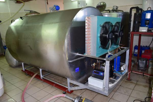 Охладитель молока - закрытого типа 5000л