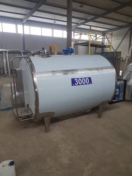 Охладитель молока - закрытого типа объёмом 2000 л
