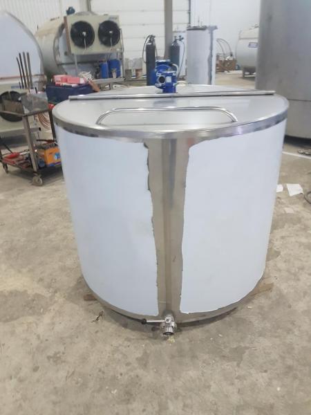 Танк - охладитель молока