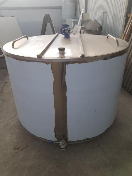 Танк - охладитель молока - вертикального типа V-1500 л