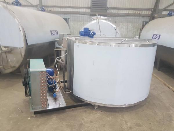 Танк - охладитель молока - вертикального типа V-2000 л