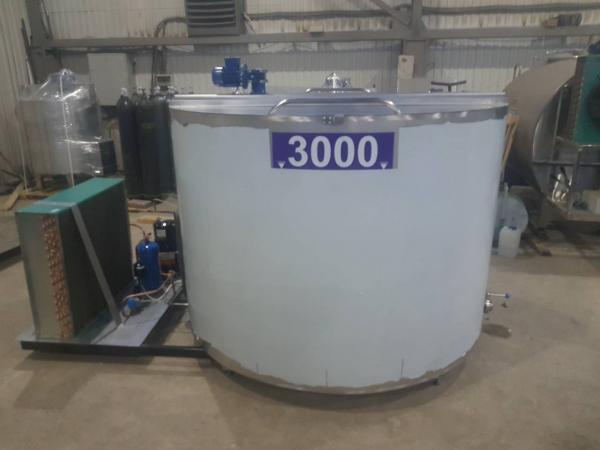 Танк - охладитель молока - вертикального типа V-3000 л