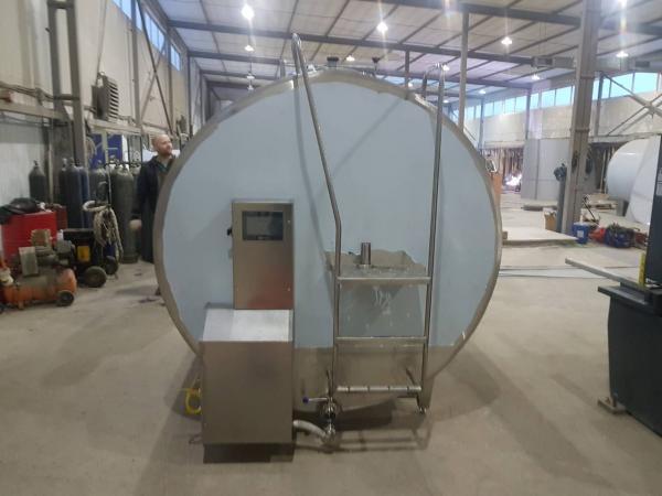 Танк - охладитель молока - закрытого типа V-10000 л
