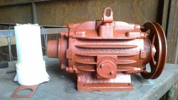 Насос вакуумный пластинчато-роторный ДВН-1 - (УВД 10.000)