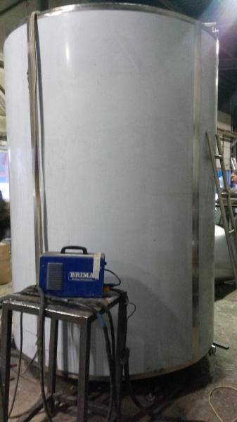 Охладитель молока - на 10000 л вертикальный M4-10000 3ДТ
