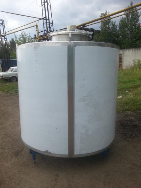 Охладитель молока - на 2000 л вертикальный M4-2000 3ДТ