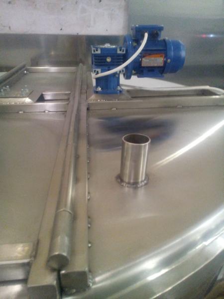 Охладитель молока - на 2500 л M2-2500 3ДТ (380V)