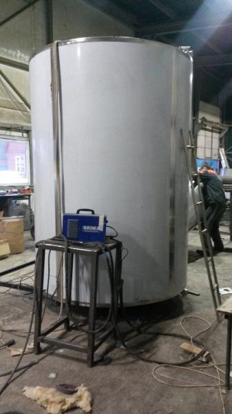 Охладитель молока - на 8000 л вертикальный M4-8000 3ДТ